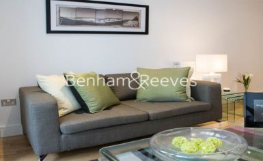 1 bedroom(s) flat to rent in Admirals Tower, New Capital Quay, Greenwich, SE10-image 1