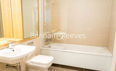 1 bedroom(s) flat to rent in Admirals Tower, New Capital Quay, Greenwich, SE10-image 5