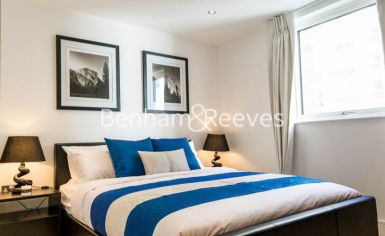 1 bedroom(s) flat to rent in Admirals Tower, New Capital Quay, Greenwich, SE10-image 8