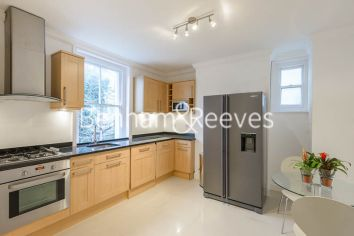 1 bedroom(s) flat to rent in Queen's Club Gardens, Hammersmith, W14-image 2