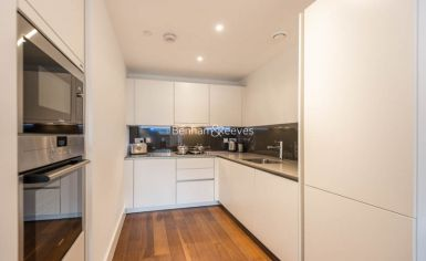 1 bedroom(s) flat to rent in London Square, Putney, SW15-image 4