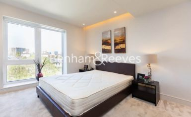 2 bedroom(s) flat to rent in Fulham Reach, Hammermsith, W6-image 3