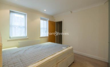 2 bedroom(s) flat to rent in Manbre Road, Hammersmith, W6-image 11
