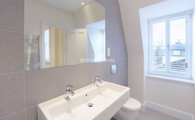 2 bedroom(s) flat to rent in Ravenscourt Park, Hammersmith, W6-image 6