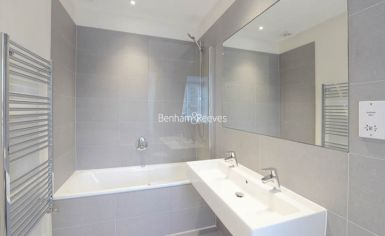 2 bedroom(s) flat to rent in Ravenscourt Park, Hammersmith, W6-image 7
