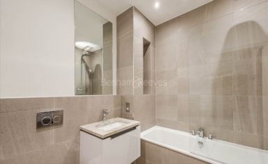 1 bedroom(s) flat to rent in Palace Wharf, Hammersmith, W6-image 4
