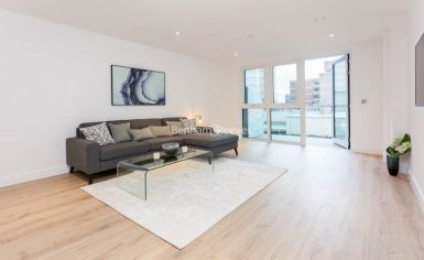 2 bedroom(s) flat to rent in Sovereign Court, Fulham, W6-image 2