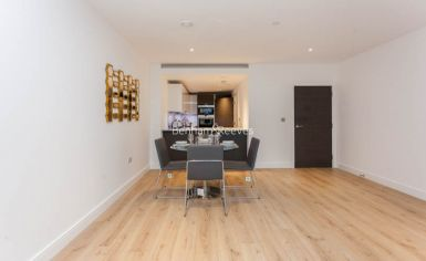 2 bedroom(s) flat to rent in Sovereign Court, Fulham, W6-image 14