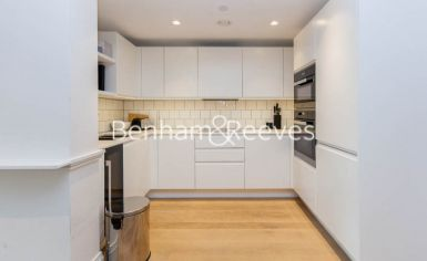 2 bedroom(s) flat to rent in Queens Wharf, Hammersmith, W6-image 2