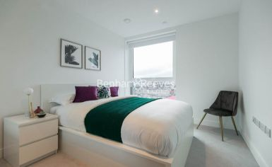 2 bedroom(s) flat to rent in Sovereign Court, Hammersmith, W6-image 14