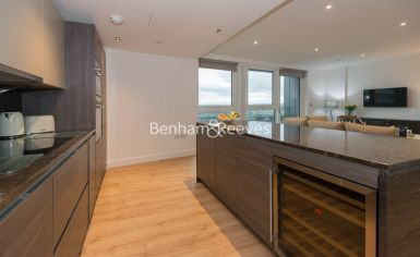2 bedroom(s) flat to rent in Sovereign Court, Hammersmith, W6-image 16