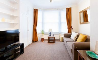 1 bedroom(s) flat to rent in Petley Road, Hammersmith, W6-image 3