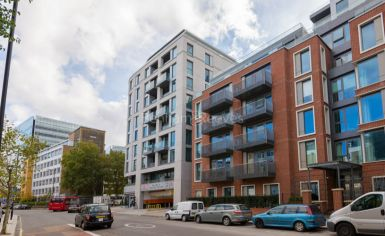 Studio flat to rent in Sovereign Court, Hammersmith, W6-image 1