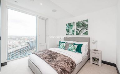 3 bedroom(s) flat to rent in Sovereign Court, Hammersmith, W6-image 5
