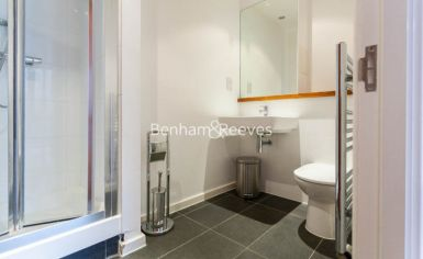 3 bedroom(s) flat to rent in Westland Place, Old Street, N1-image 5