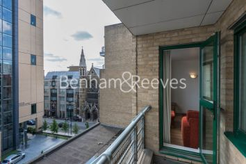 1 bedroom(s) flat to rent in Londinium Tower, Mansell Street, Tower Hill, E1-image 5