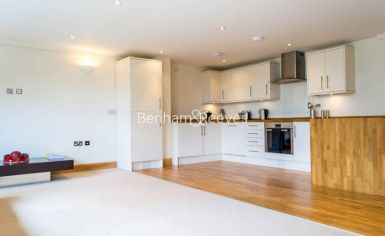 3 bedroom(s) flat to rent in School Mews, Cable Street, E1-image 2