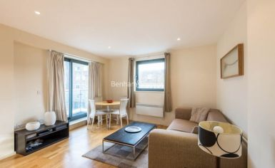 2 bedroom(s) flat to rent in Cable Street, Shadwell, E1W-image 1