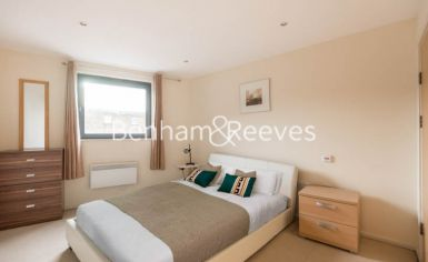 2 bedroom(s) flat to rent in Cable Street, Shadwell, E1W-image 4