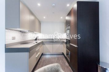 2 bedroom(s) flat to rent in Canter Way, Aldgate, Wapping, E1-image 2