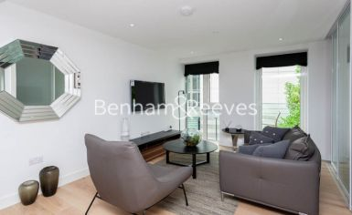Studio flat to rent in Vaughan Way, Wapping, E1W-image 1