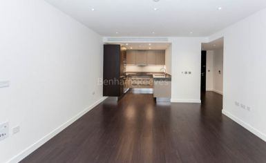 2 bedroom(s) flat to rent in Goodmans Fields, Aldgate, E1-image 4