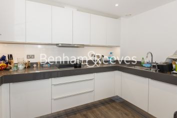 3 bedroom(s) flat to rent in Alie Street, Aldgate East, E1-image 2