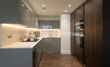 2 bedroom(s) flat to rent in Stable Walk, Aldgate East, E1-image 2
