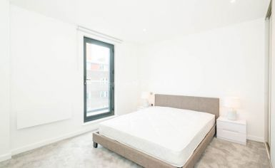 2 bedroom(s) flat to rent in Luxe Tower, Ordnance, Dock Street, E1-image 3