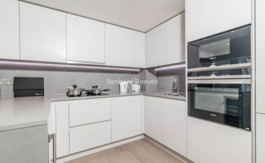 1 bedroom(s) flat to rent in Vaughan Way, Wapping, E1W-image 4