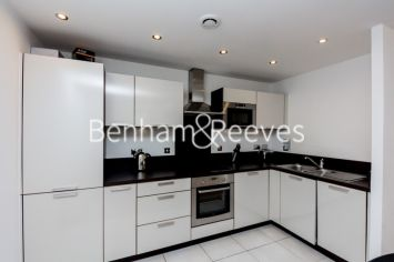 1 bedroom(s) flat to rent in Albatross Way, Canada Water, SE16-image 2