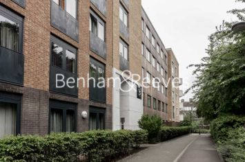 1 bedroom(s) flat to rent in Albatross Way, Canada Water, SE16-image 6