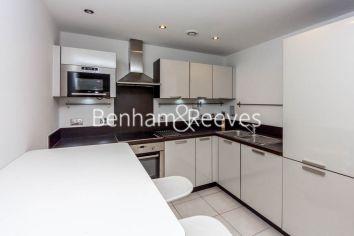 1 bedroom(s) flat to rent in Needleman Street, Surrey Quays, SE16-image 2