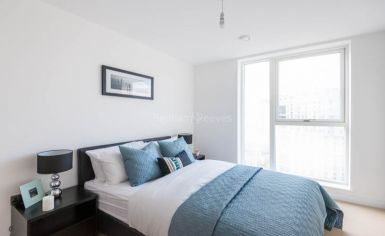 2 bedroom(s) flat to rent in Babbage Point, Surrey Quays, SE10-image 4