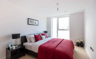 2 bedroom(s) flat to rent in Babbage Point, Surrey Quays, SE10-image 5