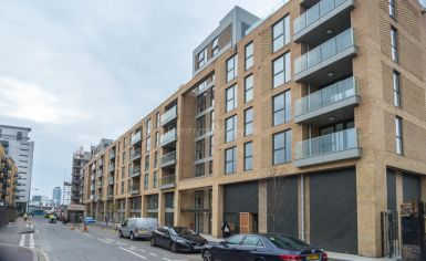 2 bedroom(s) flat to rent in Babbage Point, Surrey Quays, SE10-image 8