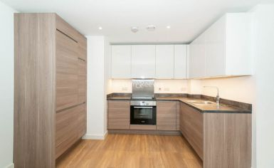 1 bedroom(s) flat to rent in Royal Victoria Gardens, Surrey Quays, SE16-image 3
