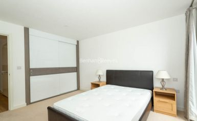 1 bedroom(s) flat to rent in Royal Victoria Gardens, Surrey Quays, SE16-image 5