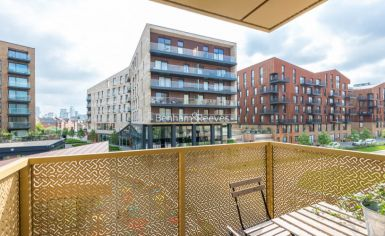 2 bedroom(s) flat to rent in Norlem Court, Surrey Quays, SE8-image 10