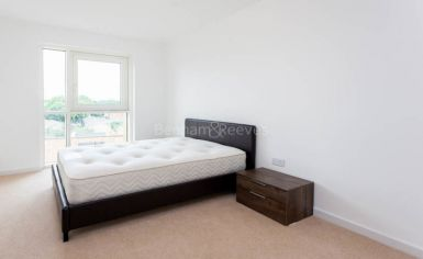 2 bedroom(s) flat to rent in Bailey Street, Surrey Quays, SE8-image 4