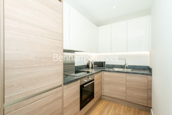 1 bedroom(s) flat to rent in Endeavour House, Ashton Reach, SE16-image 2