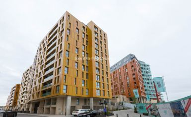 2 bedroom(s) flat to rent in Enderby Wharf, Surrey Quays, SE10-image 13