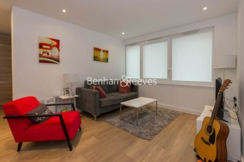 1 bedroom(s) flat to rent in Ashton Reach, Surrey Quays, SE16-image 1