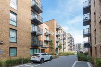 1 bedroom(s) flat to rent in Ashton Reach, Surrey Quays, SE16-image 5