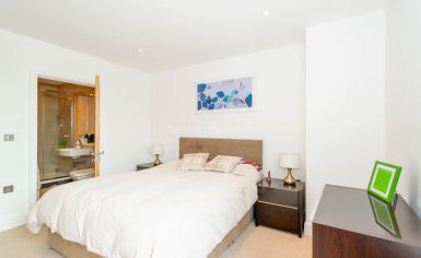 2 bedroom(s) flat to rent in Gullivers Walk, Marine Wharf East, Surrey Quays, SE8-image 4