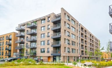 2 bedroom(s) flat to rent in Gullivers Walk, Marine Wharf East, Surrey Quays, SE8-image 9