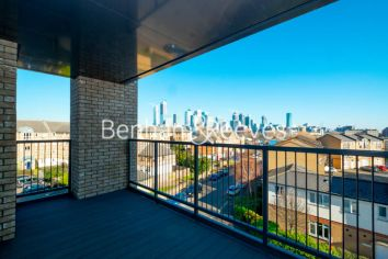 2 bedroom(s) flat to rent in Marine Wharf East, Surrey Quays, SE8-image 5