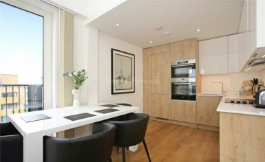3 bedroom(s) flat to rent in Whiting Way, Surrey Quays, SE16-image 2