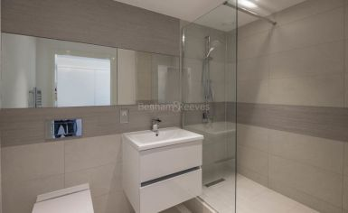 3 bedroom(s) flat to rent in Whiting Way, Surrey Quays, SE16-image 7