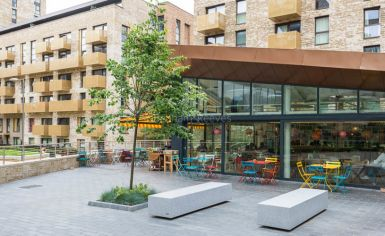 3 bedroom(s) flat to rent in Whiting Way, Surrey Quays, SE16-image 11